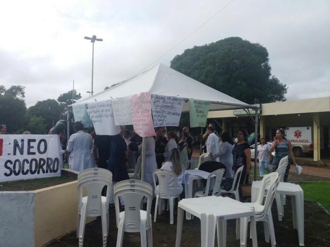 Paulo Lemos constata situação de caos na Unidade Mista de Saúde de Santana