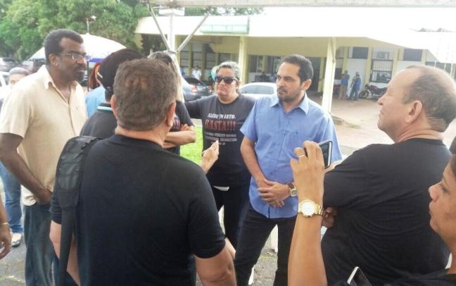 Deputado Paulo Lemos constata caos na Unidade Mista de Saúde de Saúde de Santana