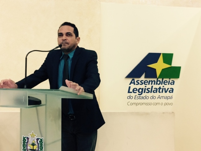 Paulo Lemos usa a tribuna para divulgar ação de improbidade administrativa contra Waldez Góes