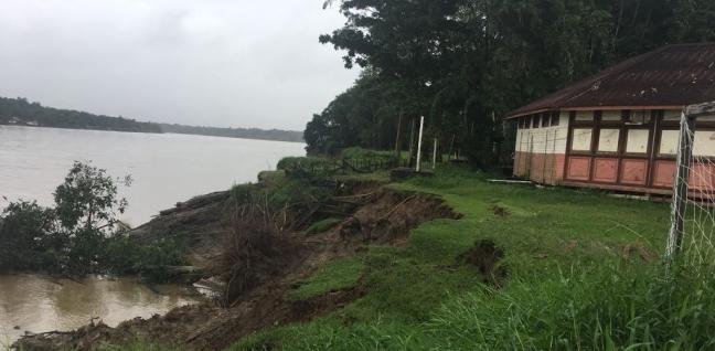 Escola Bosque do bailique ameaçada pelo fenômeno das 'terras caídas'