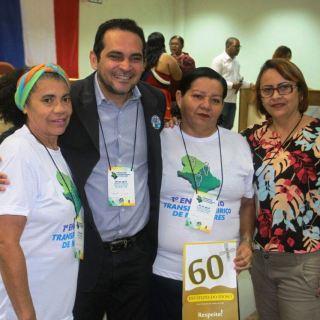 DEPUTADO PAULO LEMOS COM PARTICIPANTES DO ENCONTRO TRANSFRONTEIRIÇO NO OIAPOQUE _ 01